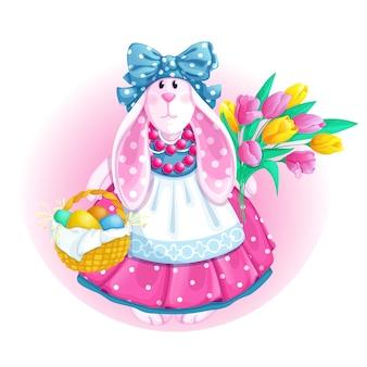 Biała królik lalka z wielkanocnym koszykiem i bukietem tulipanów.