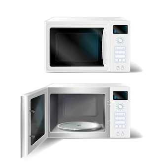 Biała kuchenka mikrofalowa z pustą szklaną płytą wewnątrz, z otwartymi i zamkniętymi drzwiami