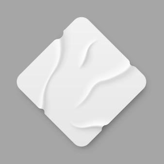 Biała kwadratowa taśma klejąca kawałki taśmy maskującej z podartymi krawędziami w realistycznym stylu