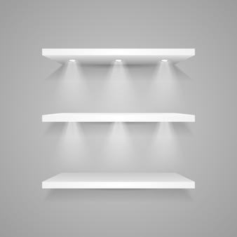 Biała półka ekspozycyjna z reflektorami
