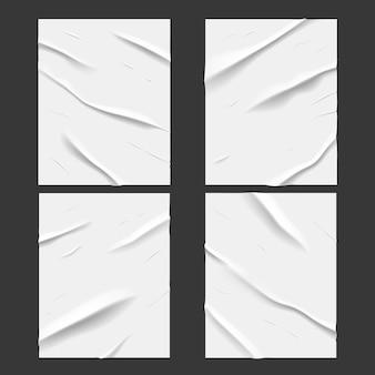 Białe klejone plakaty z mokrego papieru z efektem tekstury pomarszczonych i zmiętych, wektor. realistyczny mocno sklejony na mokro papier lub folia samoprzylepna z pogniecionymi i zatłuszczonymi zmarszczkami, białe plakaty