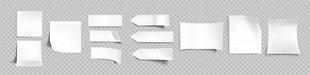 Białe naklejki o różnych kształtach z cieniem i zagiętymi krawędziami, przywieszki, karteczki do makiety notatki na przezroczystym tle. papierowa taśma klejąca, puste półfabrykaty realistyczny 3d wektor zestaw