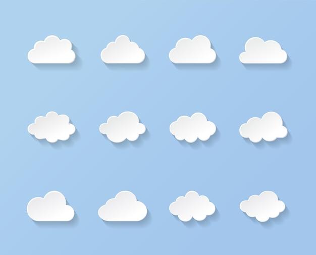 Białe papierowe chmury o różnych kształtach