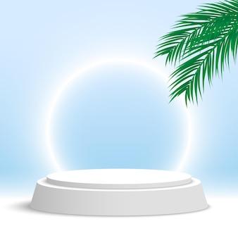 Białe podium z liśćmi palmowymi i świecącym pierścieniem okrągła platforma do wyświetlania produktów kosmetycznych na cokole