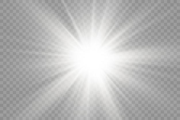 Białe świecące światło rozbłyska na przezroczystym tle, jarzą jasne jasne gwiazdy, gwiazda rozbłyskuje blaskiem, białe promienie słoneczne, efekt świetlny, blask słońca z promieniami