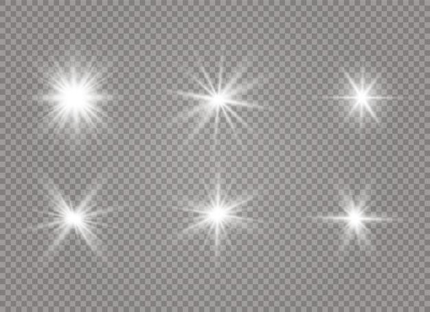 Białe świecące światło wybucha na przezroczystym tle. przezroczyste świecące słońce.