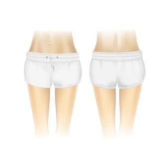Białe szorty dla kobiet na białym tle