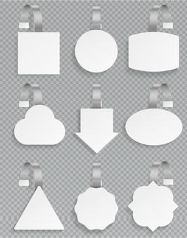 Białe woblery. puste 3d makieta plastikowy biały cena szablon reklama sprzedaż sprzedaż wobbler tag rabat promocja detaliczny zestaw