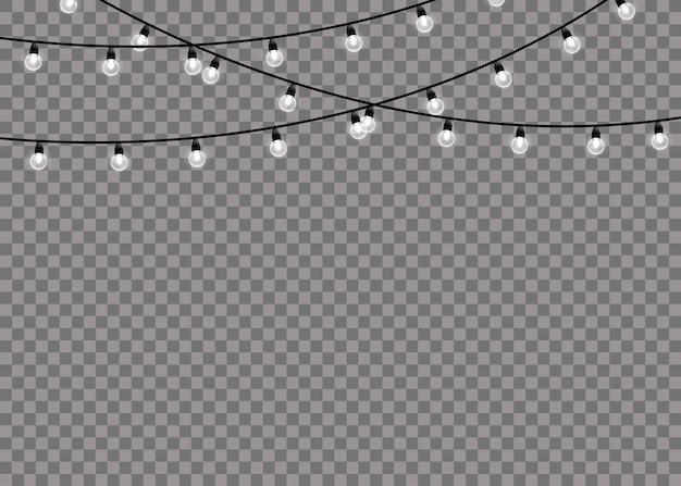 Biały blask światła na sznurkach drutu na białym tle przezroczyste tło. ozdoby wianek. lampki choinkowe na białym tle realistyczne elementy projektu.
