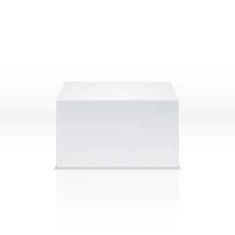 Biały kwadratowy cokół