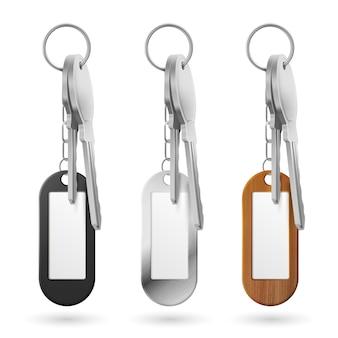 Bibeloty, pęk kluczy, metal, drewno i plastik