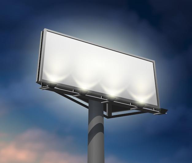 Billboard oświetlił nocny obraz