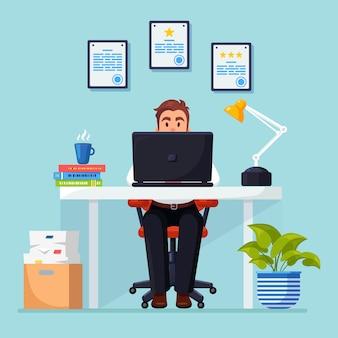 Biznes człowiek pracuje przy biurku. wnętrze biurowe z dokumentami, kawa. kierownik siedzi na krześle
