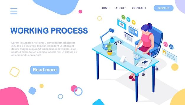 Biznes kobieta pracuje przy biurku z komputerem