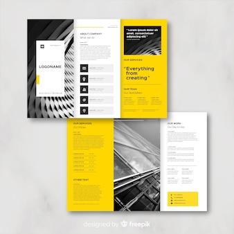 Biznes rozdawać broszury szablon