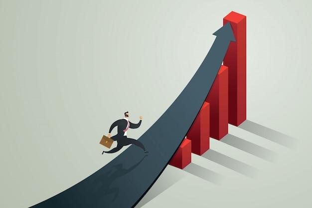 Biznesmen biegnący do strzałki, aby osiągnąć cel i wzrost biznesu