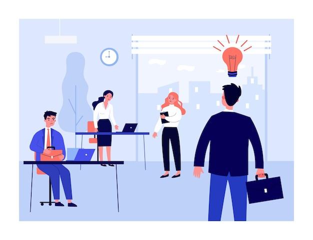 Biznesmen, dzielenie się pomysłem ze smutnymi kolegami. żarówka, biuro, płaska ilustracja pracy