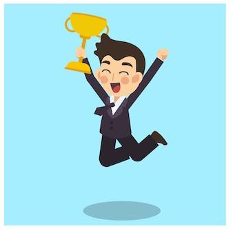 Biznesmen jest szczęśliwy i skacze ze złotym zwycięskim trofeum w ręku. biznesowy pojęcia postać z kreskówki wektor.