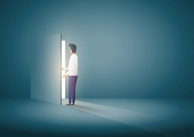 Biznesmen otwarcia drzwi. pomysł na biznes. symbol nowej kariery, szans, przedsięwzięć biznesowych i wyzwań