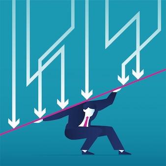Biznesmen ponosi ciężar globalnego kryzysu finansowego za pomocą symbolu zmniejszenia strzałki. spadek gospodarki, zagubienie i bankructwo.