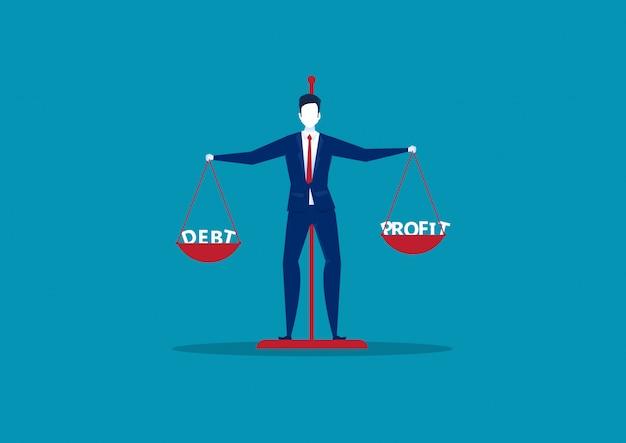 Biznesmen porównuje zysk z długiem na wagi