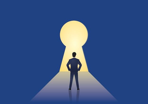 Biznesmen pozycja przed keyhole