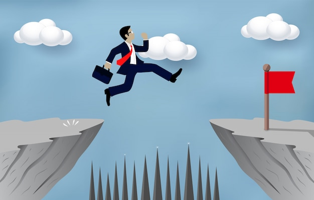 Biznesmen skaczący nad przeszkodami nad przepaścią idzie przeciwny bramkowy pojęcie