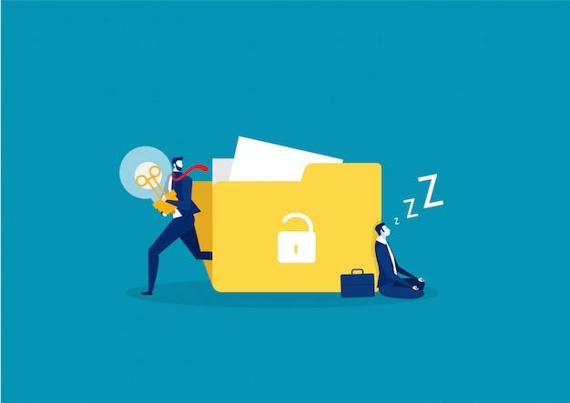 Biznesmen śpi lub zmęczony tworzenie pomysłu i ucieka z żarówką w rękach