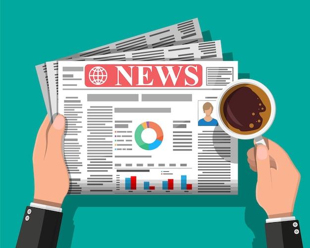 Biznesmen z kawą, czytanie codziennej gazety. dziennik wiadomości