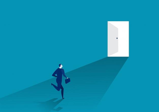 Biznesmena kostium biegający przed otwarte drzwi, ilustrator.