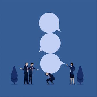 Biznesowe płaskie wektor koncepcja biznesmen trzymać bąbelek czat metaforę znęcanie się.