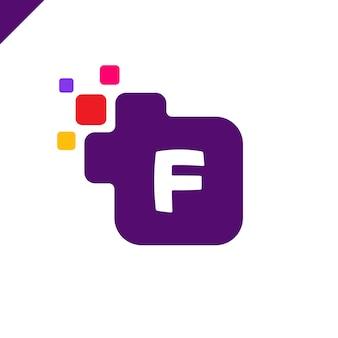 Biznesowy korporacyjny kwadratowy listowy f chrzcielnicy loga projekta wektor. kolorowy cyfrowy list alfabet szablon dla technologii. logo pixel