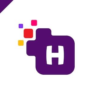 Biznesowy korporacyjny kwadratowy listowy h chrzcielnicy loga projekta wektor. kolorowy cyfrowy list alfabet szablon dla technologii. logo pixel