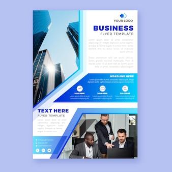 Biznesowy szablon ulotki ze zdjęciem