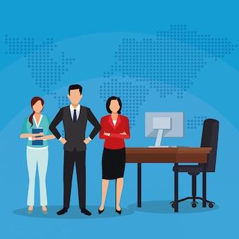 Bizneswomanu biznesmena biurowego biurka komputer