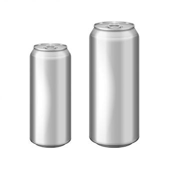 Błyszcząca metalowa srebrna aluminiowa puszka do piwa. może być stosowany do alkoholu, napojów energetyzujących, napojów bezalkoholowych, napojów gazowanych, napojów gazowanych, lemoniady, coli. realistyczny zestaw szablonów