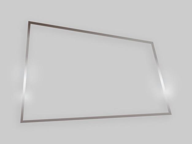 Błyszcząca ramka ze świecącymi efektami. srebrna ramka czworokątna z cieniem na szarym tle. ilustracja wektorowa