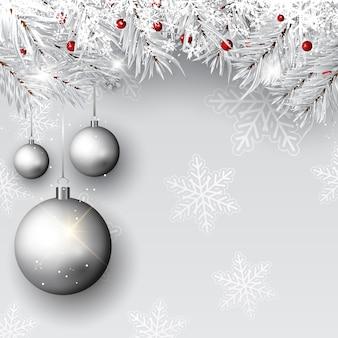 Bombki świąteczne na srebrnych gałęziach