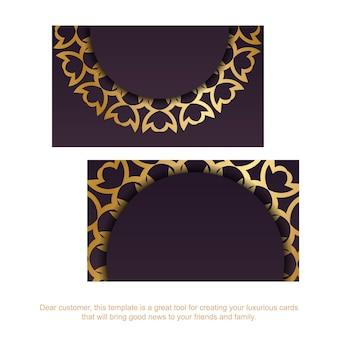 Bordowy szablon wizytówki z luksusowym złotym wzorem dla twojej firmy.
