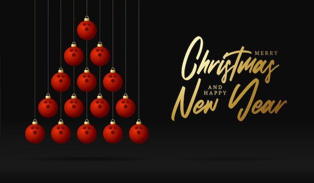 Bowling boże narodzenie i nowy rok kartkę z życzeniami cacko drzewo. kreatywne drzewo xmas wykonane przez kulę do kręgli na czarnym tle na obchody bożego narodzenia i nowego roku. sportowa kartka z życzeniami
