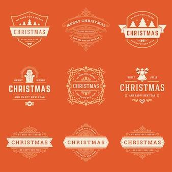 Boże narodzenie zestaw elementów etykiety i odznaki. wesołych świąt i szczęśliwego nowego roku życzy retro typografii obiektów dekoracyjnych na kartki z życzeniami zabytkowe ozdoby.