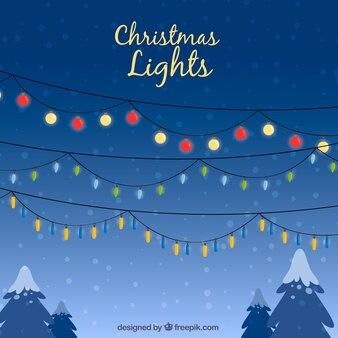 Bożonarodzeniowe światła w zimy niebie