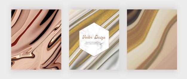 Brązowo-szary płynny atrament ze złotym brokatem i marmurową ramką.
