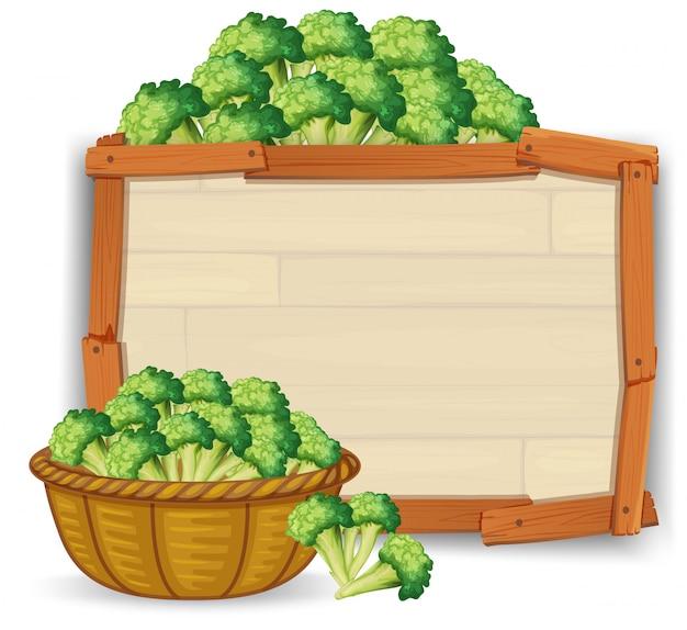 Brokuły na drewnianej desce