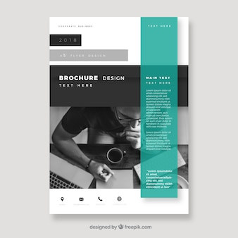 Broszura firmy w rozmiarze a5 z abstrakcyjnym stylu