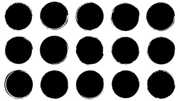 Brudne ramki do projektowania w stylu grunge. pociągnięcia pędzlem atramentowym. zestaw tekstur niepokoju o okrągłych i organicznych kształtach. pojedyncze tła do projektowania ramek tekstowych, plakatów, banerów. czarny biały. wektor