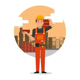 Budowniczy pracownik posiadania cegieł na tle budowy