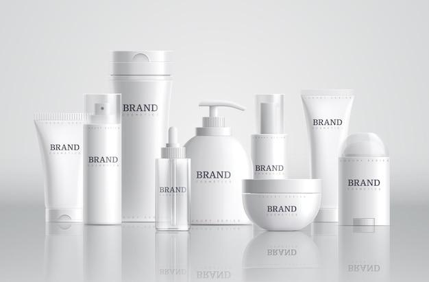 Butelki kosmetyczne. pakiet produktów kosmetycznych, makieta pojemników spa. puste tubki z szamponem i mydłem. ilustracja wektorowa 3d szklane plastikowe opakowania. pakiet kosmetyczny, pojemnik na szampon