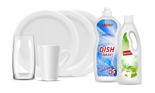 Butelki na detergent w płynie. czyste naczynia, szkło, filiżanka. wektor realistyczne białe talerze, detergent do pakowania. ilustracja do mycia naczyń kuchennych, higieny i zmywania naczyń