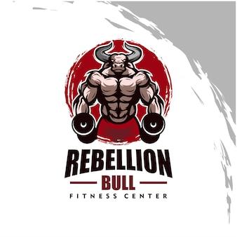 Byk z logo silnego ciała, klubu fitness lub siłowni. element projektu dla logo firmy, etykiety, emblematu, odzieży lub innych towarów. skalowalna i edytowalna ilustracja